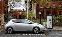 An electric vehicle on charge on a London street. (Photograph Credit: Miles Willis/Getty Images for Go Ultra Low) Click image to enlarge.