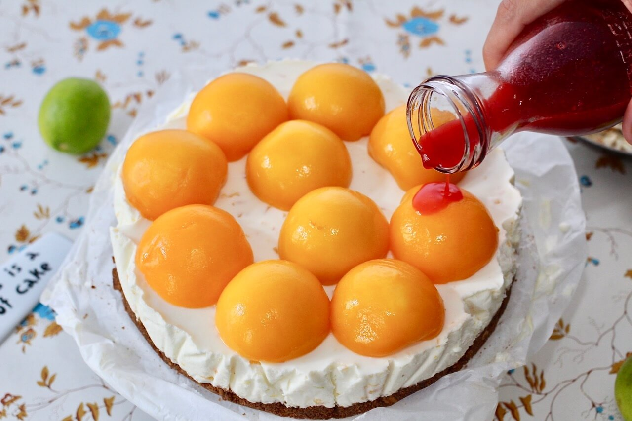 Rezept für Pfirsich-Cheesecake mit Himbeersauce