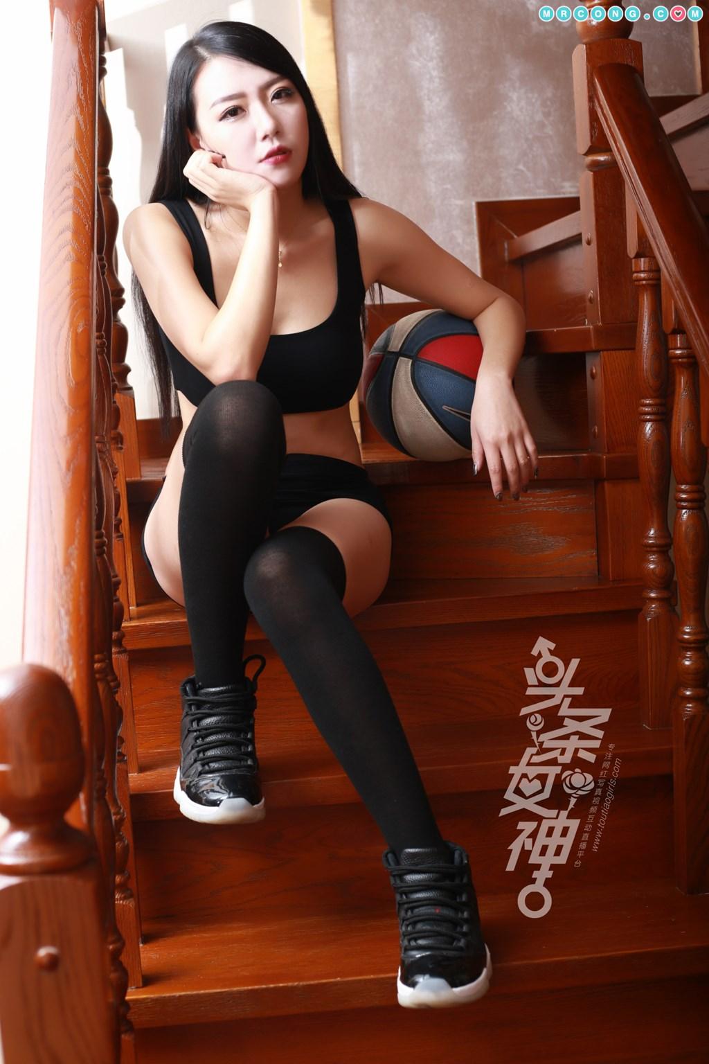 Image TouTiao-2018-02-24-Dan-Dan-MrCong.com-037 in post TouTiao 2018-02-24: Người mẫu Dan Dan (丹丹) (44 ảnh)