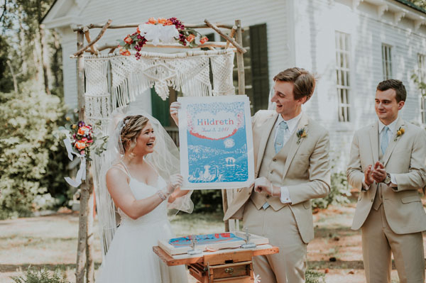 Love the idea of screen printing for a unity ceremony! Beautiful DIY macrame altar for a boho wedding ceremony.