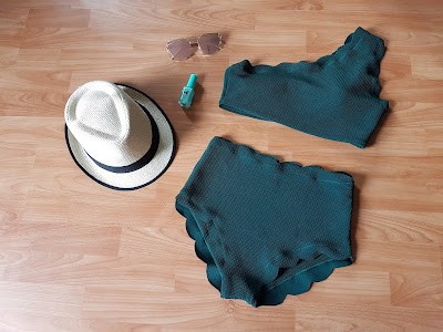 www.zaful.com/high-waisted-scalloped-one-shoulder-bikini-p_268684.html?lkid=51924