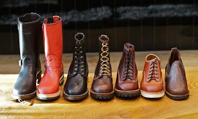 オレゴンより入荷した色とりどりのカスタムブーツ。ボスをはじめジョブマスター、パッカー、J.H.クラシック、ロメオとそれぞれ個性が伺える仕上がりに。