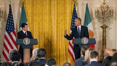 Los presidentes de EE.UU. y México, Barack Obama (dcha.) y Enrique Peña Nieto, respectivamente, ofrecen una rueda de prensa conjunta en la Casa Blanca, 22 de julio de 2016.