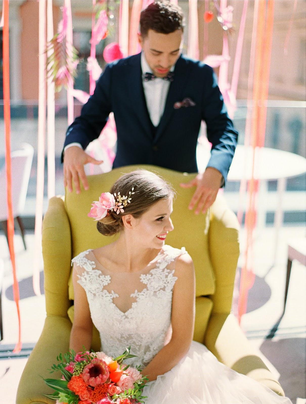 Flamingowy róż, jako kolor przewodni ślubu i wesela.