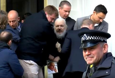 Az Assange-t szexuális erőszakkal vádoló svéd nők egyike új eljárást követel
