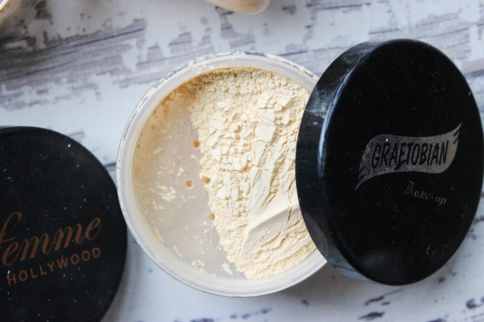 banana powder ben nye graftobian sacha buttercup la femme review woc poc dark skin discoveriesofself blog