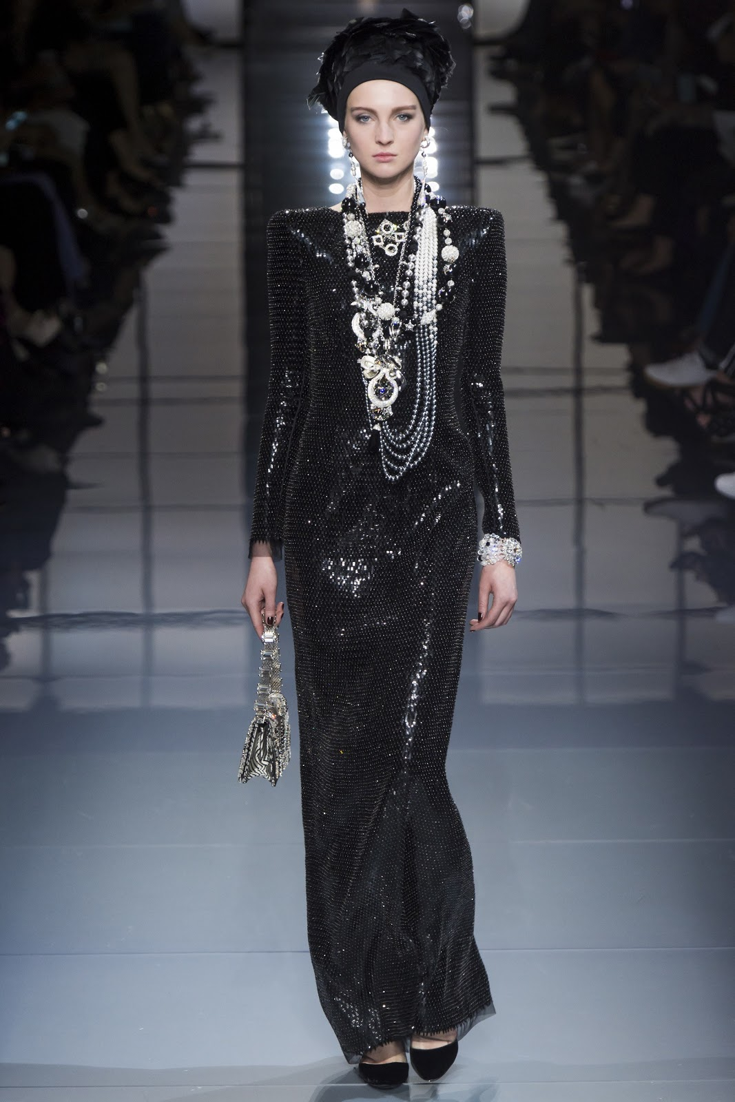 Fashion runway giorgio armani prive fall winter 2016 for Couture clothing