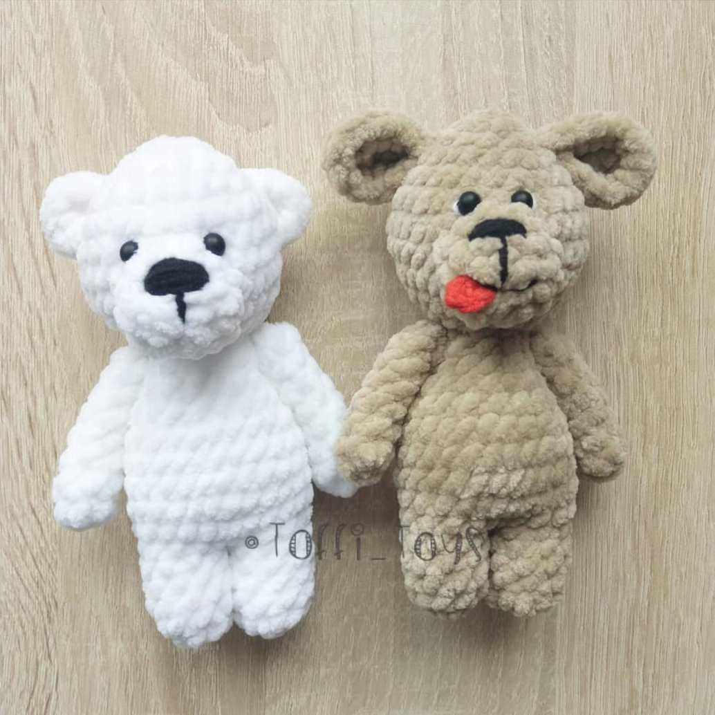 Crochet plush toys bear and dog