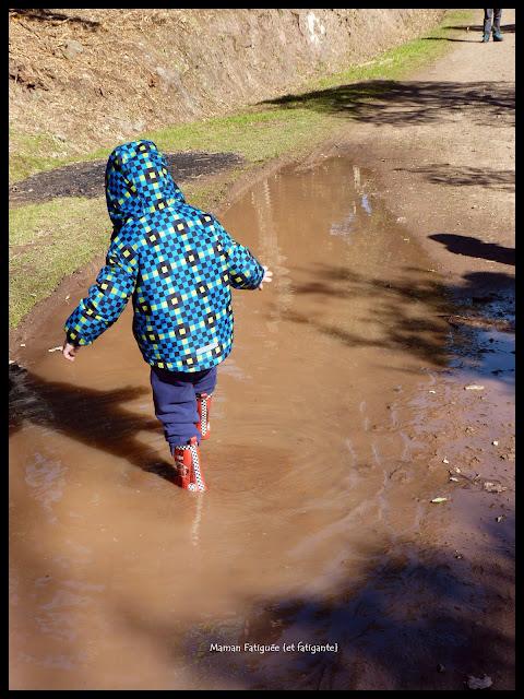 sauter dans la boue