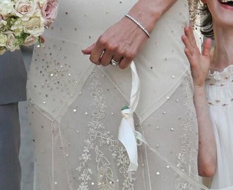 Online Fashion Kate Moss S Galliano Wedding Dress Goes On Display