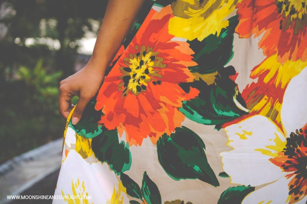 Gravitating, OOTD Post, Fashion blog by Priyanjana Roy, Moonshine and sunlight, ridress