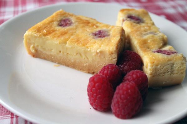 Pastel de queso arzúa ulloa con frambuesas