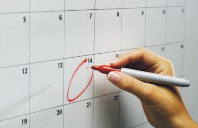 Siklus menstruasi ialah periode bulanan yang terjadi pada perempuan Tanda Siklus Menstruasi Teratur dan Tidak Teratur