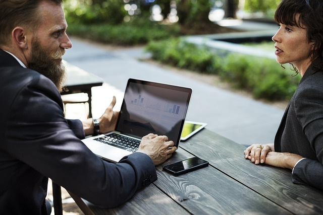 Jenis-Jenis Komunikasi Bisnis Yang Perlu Anda Ketahui