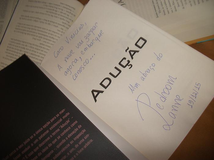 """Livro """"Adução: O Dossiê Alienígena"""""""