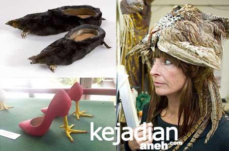 Sandal Sepatu Berhias Mayat Hewan