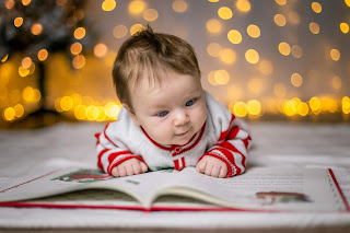 Infant Smiling during Christmas Mini Ideas for San Diego California Photographers by Morning Old Fine Art