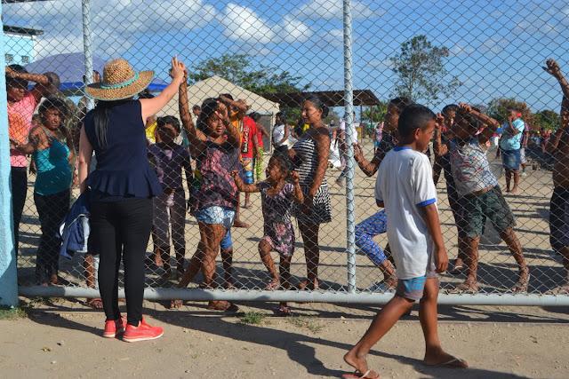 Indígenas de Delta Amacuro felices por poder comer todos los días en Brasil