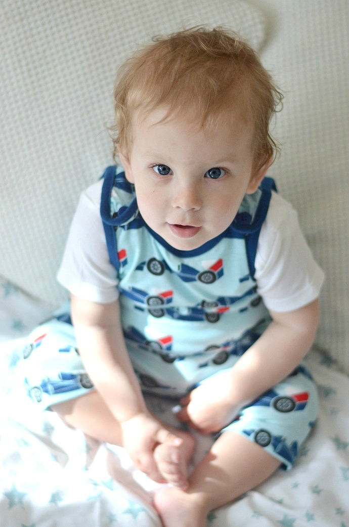 maxomorra racing cars, summer soft dungarees, dapperbaby, kids fashion blogger