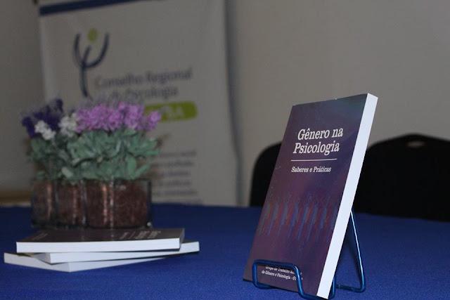 """Livro """"Gênero na Psicologia: saberes e práticas"""""""