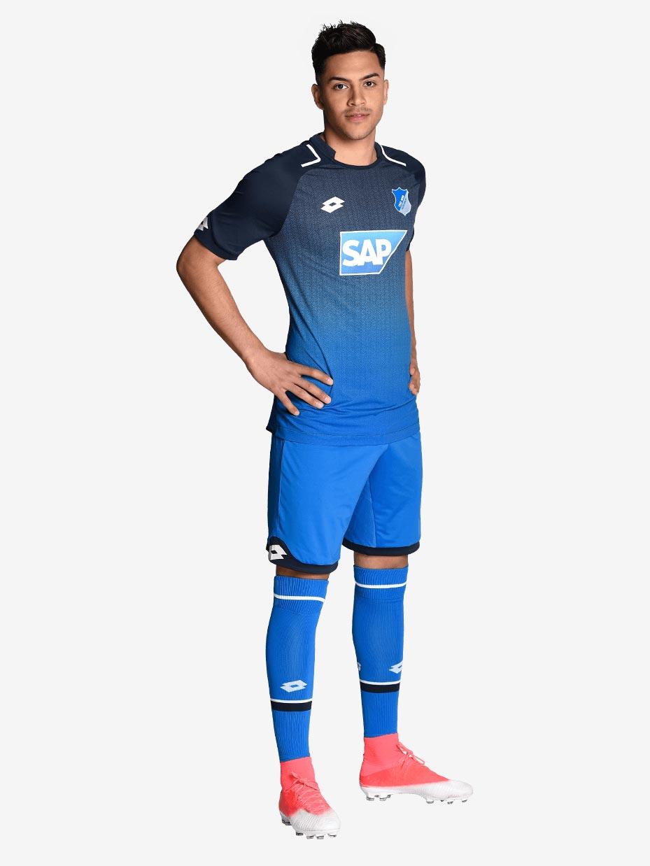 El short y las medias del uniforme Hoffenheim 17-18 son ...