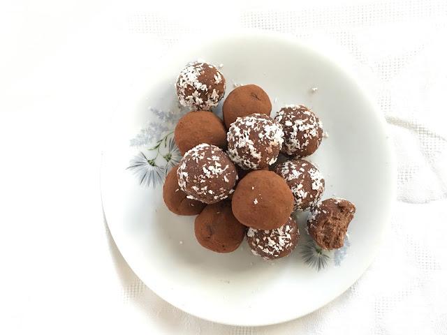 Tartufini Vegan al Cioccolato Senza Glutine né Zuccheri