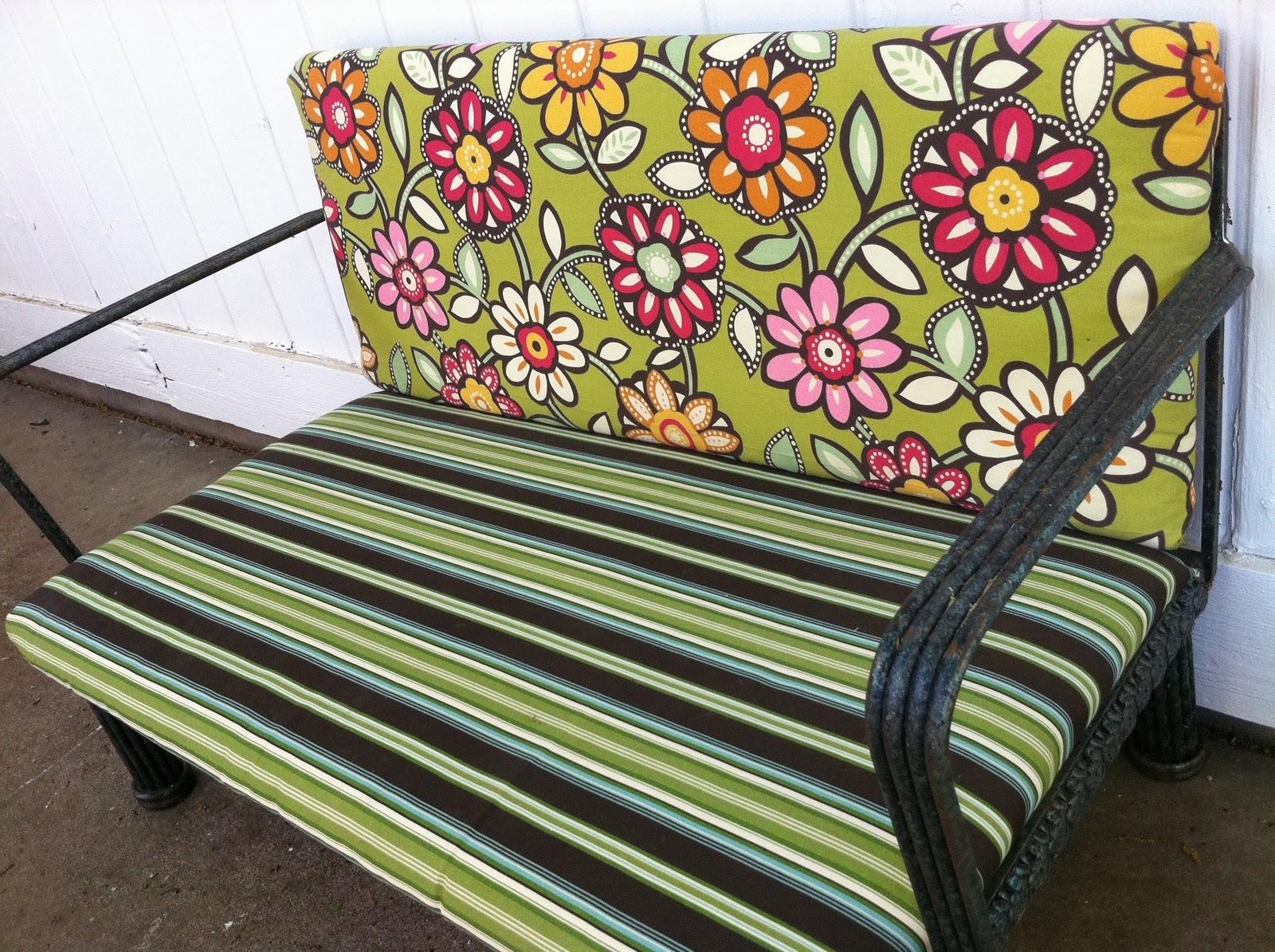 Naptime = Craft Time!: No-sew Patio Furniture Cushion Re-do