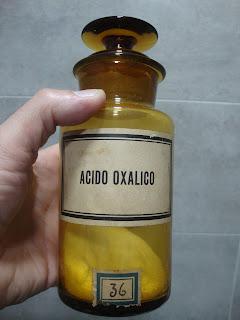 frasco de vidro antigo de farmácia