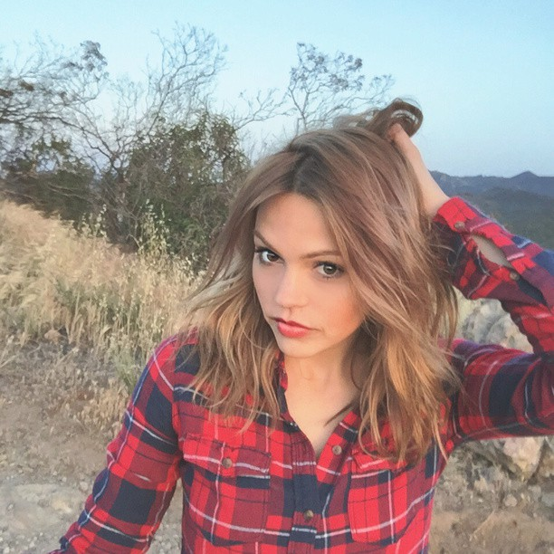 Aimee Teegarden Photos, Pictures & Images