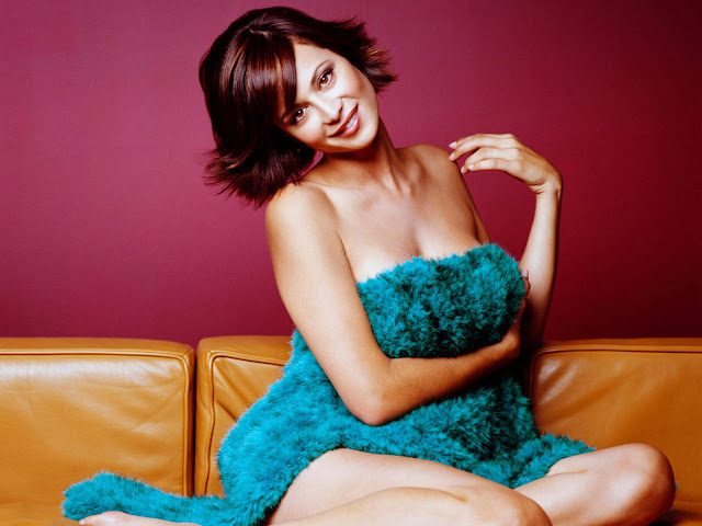 Free Classic Car Wallpaper Hot Catherine Bell S Wallpapers World Amazing Wallpapers