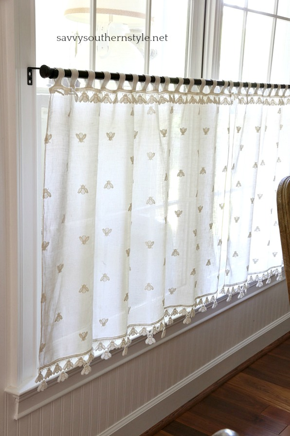 Savvy Southern Style : Vintage French Cafe Curtains