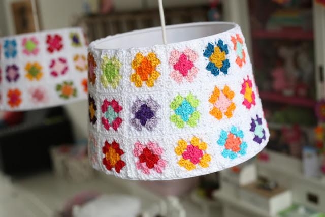 Crochet lamp by Hakken met Naat