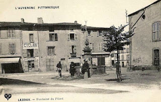 CPA place du Pilori, Lezoux.