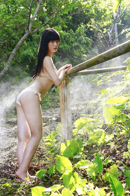 馬場ふみか Baba Fumika Bikini In Forest Photos 5