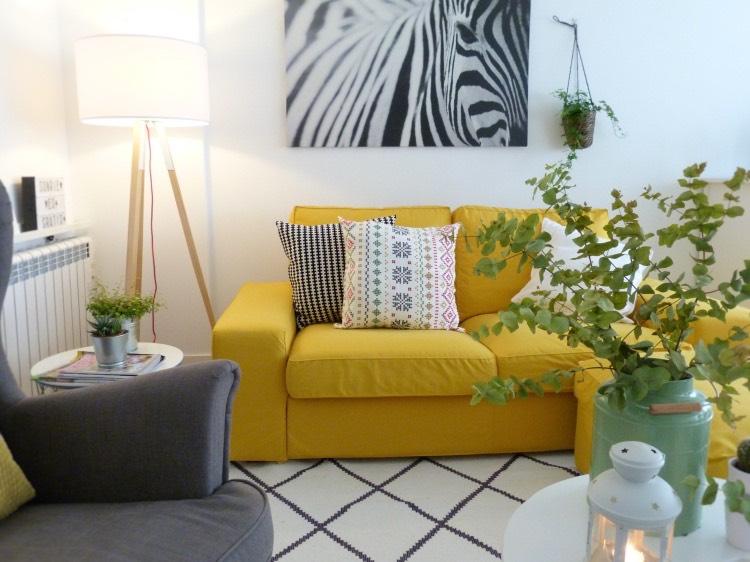 sofá kivik de ikea con fundas amarillas de comfort works