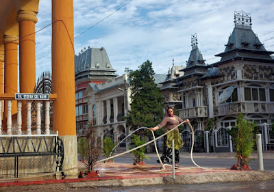 http://fototelegraf.ru/142976-buzesku-%E2%80%93-stolica-cygan-millionerov.html