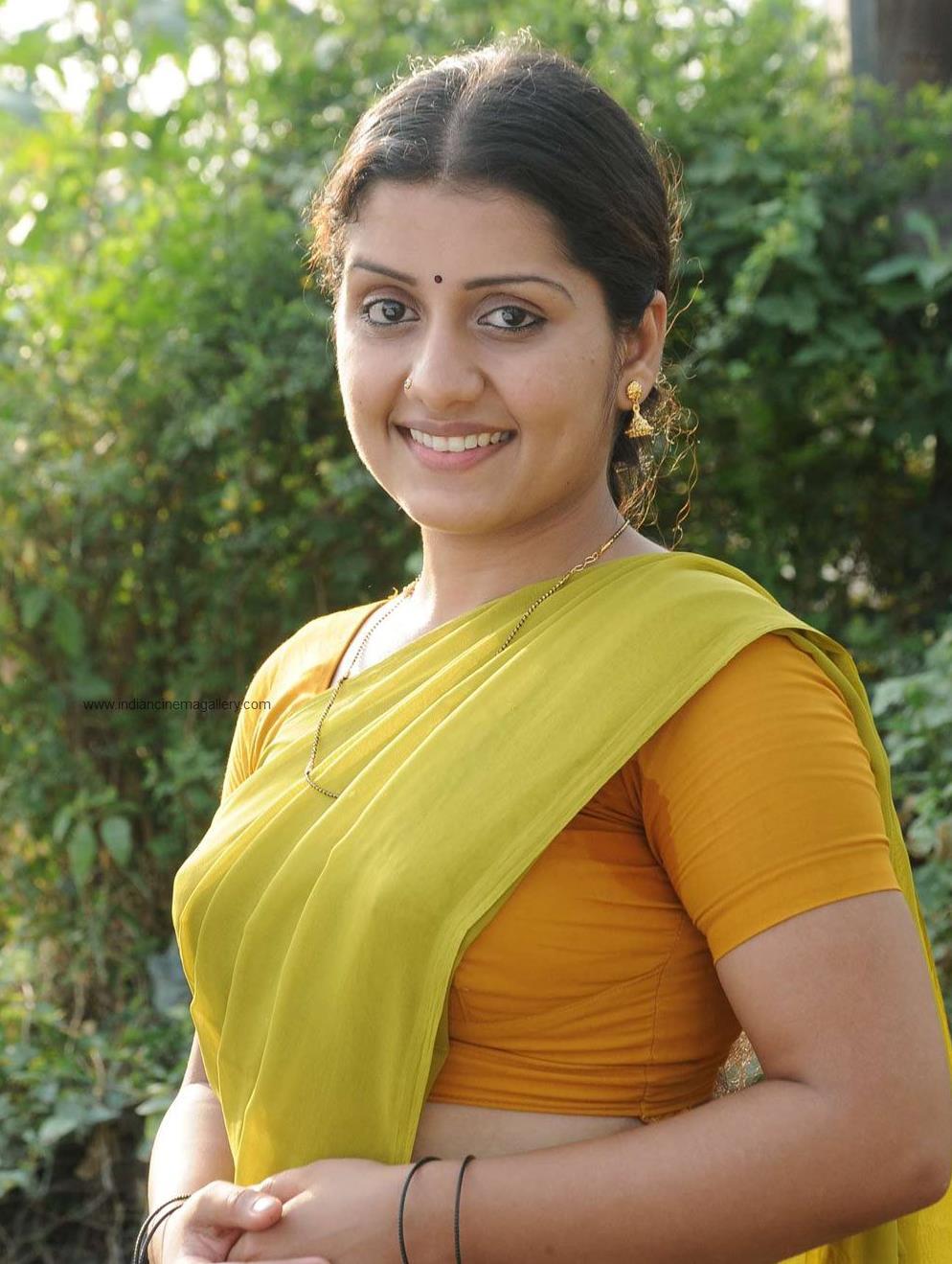 hot story: Malayalam Actress Sarayu
