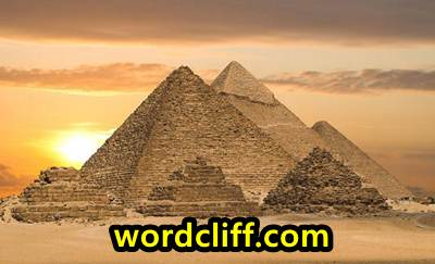 Descriptive Text Singkat Tentang Piramida Giza