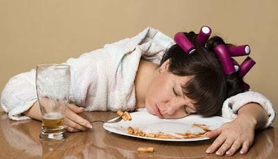 AyiedNet - Kebiasaan Kecil Ini Berbahaya Jika di Lakukan Setelah Makan