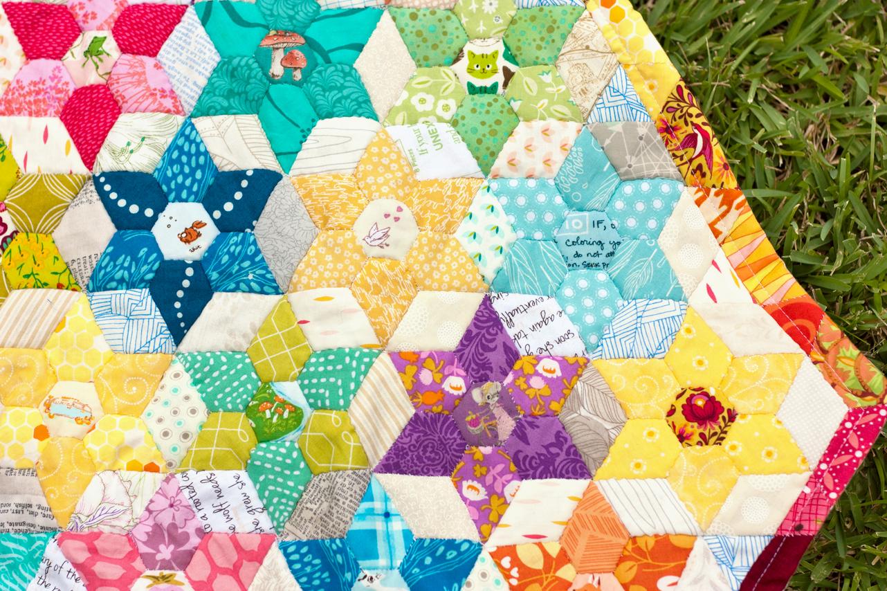 Free Quilt Pattern: Diamond Jewel Star Quilt - I Am Luna Sol