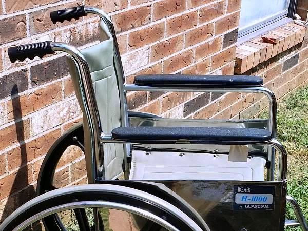 WHEELCHAIR: Guardian Hoyer H-1000 wheelchair - Medical Equipment (OKC Craigslist)