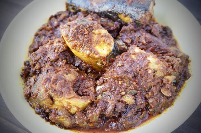 http://www.9jafoodie.com/yoruba-style-mackerel-stew/
