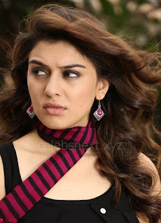 Hansika Motwani Looks super cute in movie Mande Suryudu 006.jpg