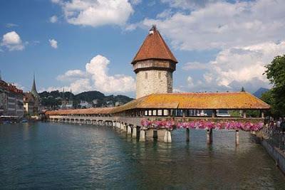 Những ngày ở Châu Âu- Cầu Chapel, Lặng lẽ Zurich