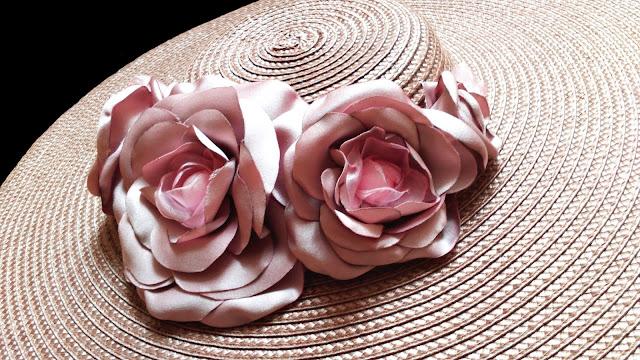 Pamela invitada boda con flores