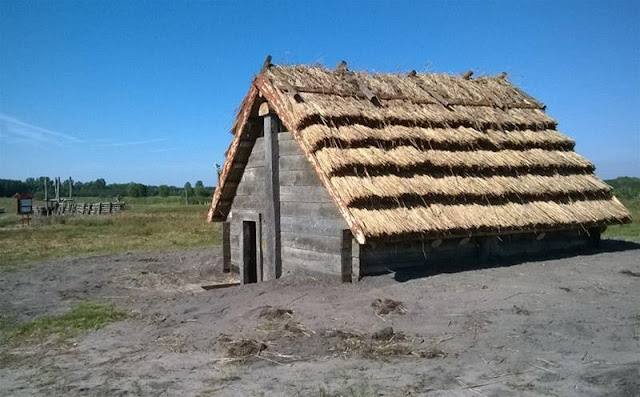 Sour soup for the gods: discovery in a medieval hut in southeast Poland