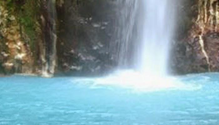 Ini 4 Air Terjun Aneh dan Ajaib yang Ada di Indonesia