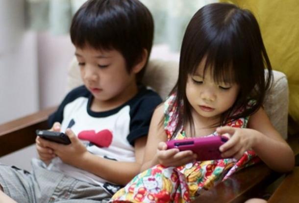 Dampak Positif dan Negatif WhatsApp (WA) dalam Dunia Pendidikan