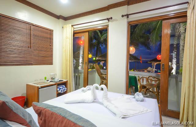 Romblon   The Beach House, Carabao Island