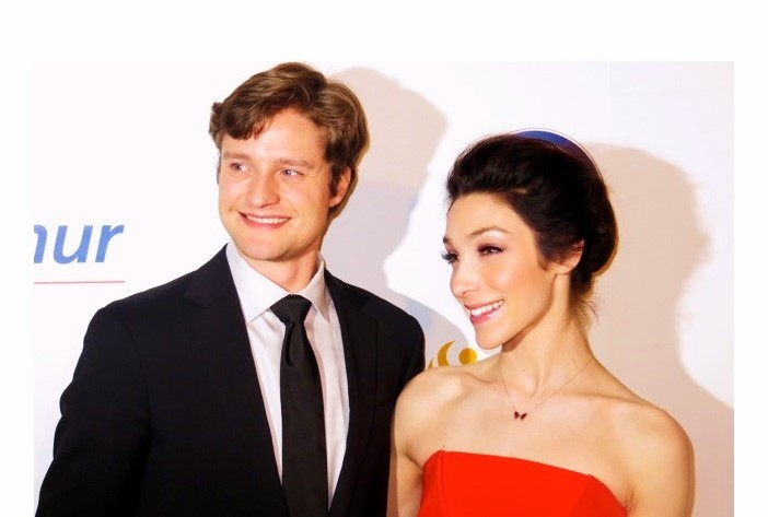 are ice dancers white and davis dating Meryl davis got the gold with skating partner charlie white in 2014, but now she has another partner — and a diamond she has another partner — and a diamond the ice dancing champ is engaged to retired skater fedor andreev the caption simply celebrates the date they made it official, 7/13/17.